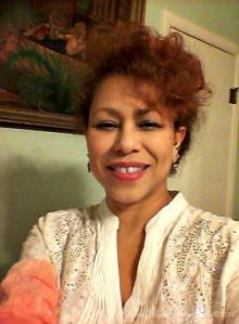 15/365: I took Reba to work with me today...LoL! (Reba McEntire has a line of clothing that I loooove...that's one of her tops!) 15/365: Reba fue al trabajo conmigo hoy...jajaja! (Reba McEntire tiene una  línea de ropa que me encantaaaa...esa es una de sus blusas!)