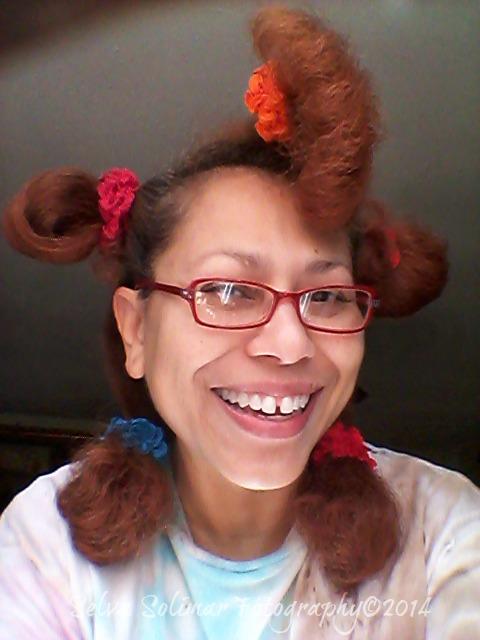 51/365: Giving myself a haircut is ALWAYS exciting! LoL...do I look like pickaninny? 51/365: Haciendo me un corte de pelo SIEMPRE es divertido! JA...me paresco al pickaninny? (buscalo en google...jijiji)