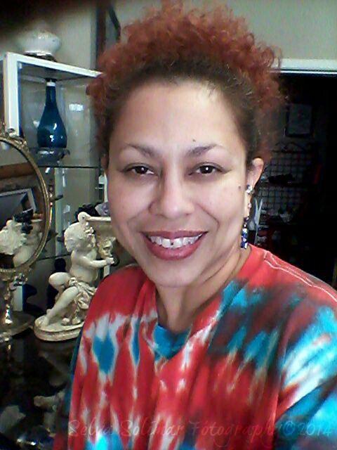 134/365: ...need ta color my hair...........Selvita needs pampering after all this hard work! :) 134-365: ...necesito pintar me el pelo...Selvita necesita cuidados intensivos (masaje, corte de pelo, manicure, pedicure...hahaha hablando Ingles) despues de todo este trabajo! :)