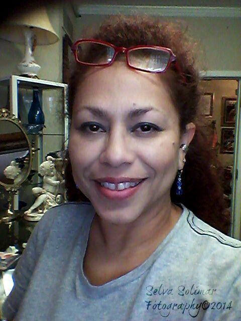 143/365: working at the shop...painting! HA!!! 143/365: trabajando en la tienda...pintando! JA!!!