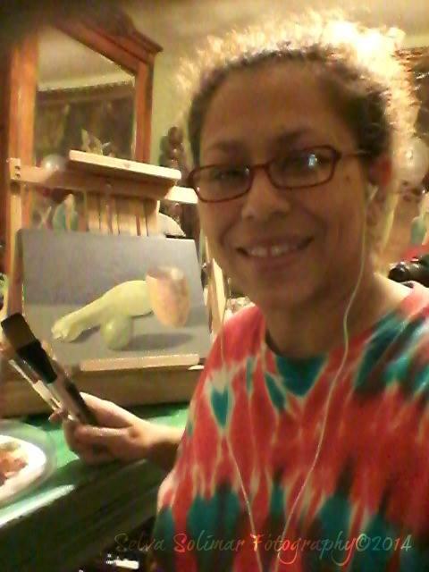 48/365: oh how Selvita loves ta paint! 48/365: oh como le'ncanta a Selvita pintar!